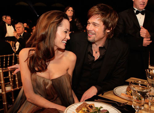 angelina-jolie-and-brad-pitt-sag-awards-photo-3